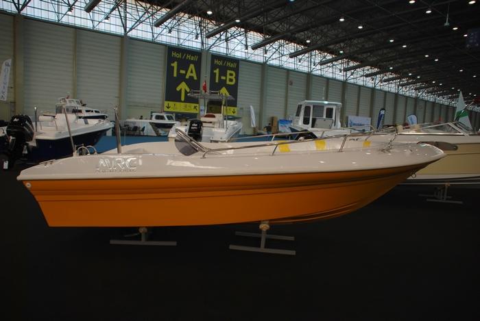 Моторна лодка Mercan 16
