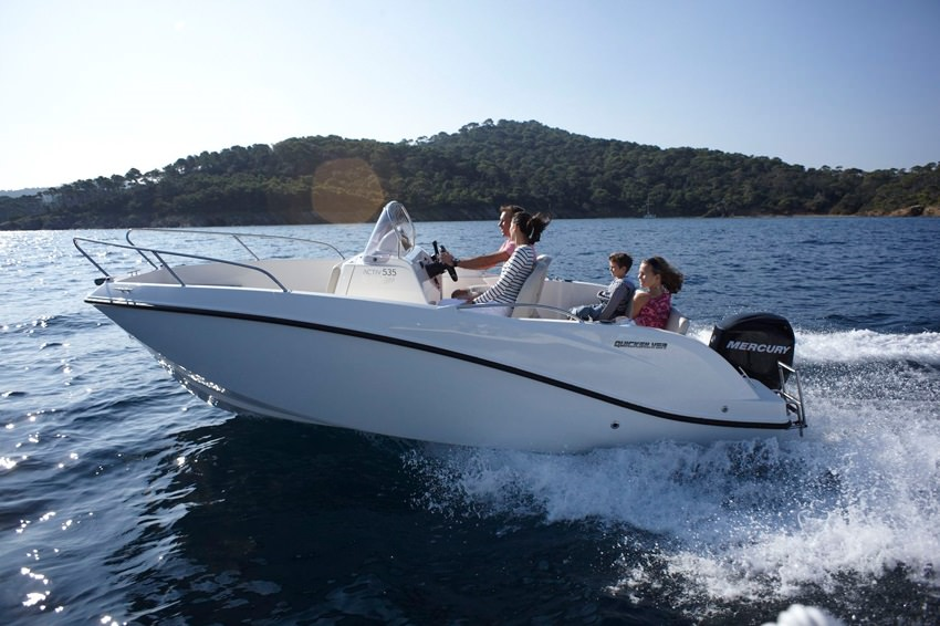 Моторна лодка Quicksilver ACTIV 555 OPEN