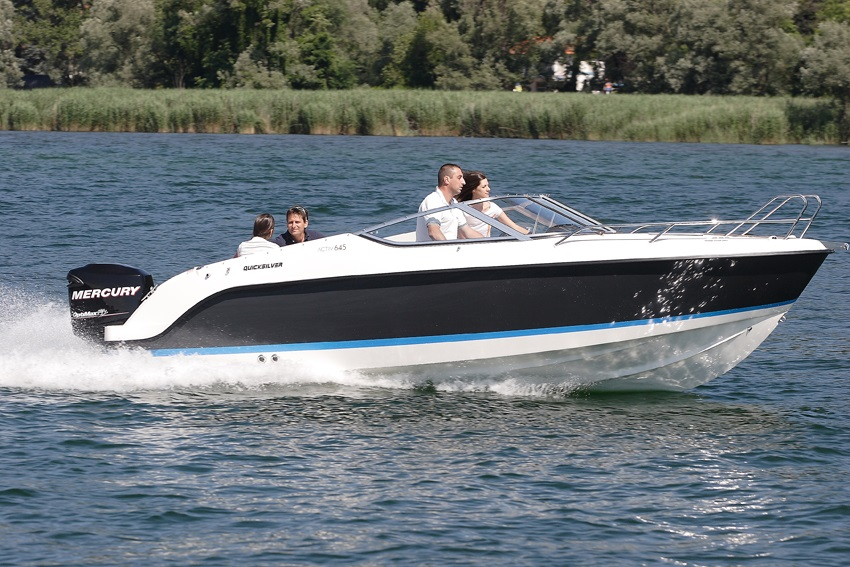 Моторна яхта Quicksilver Activ 645 CRUISER