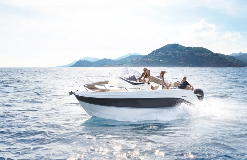 Моторна яхта Quicksilver ACTIV 805 OPEN