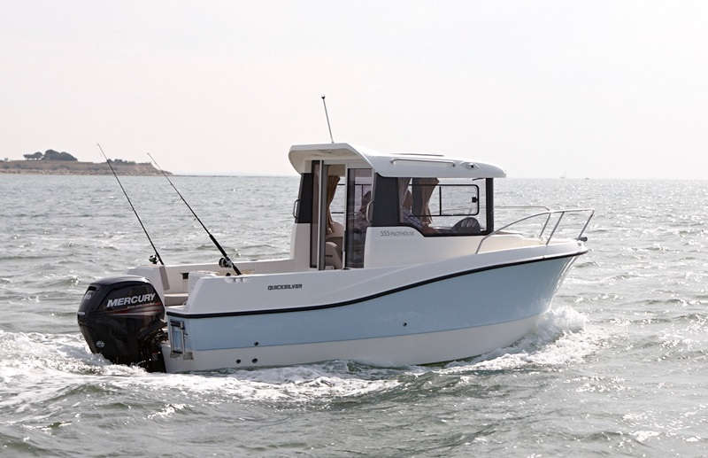 Моторна лодка Quicksilver 555 Pilothouse