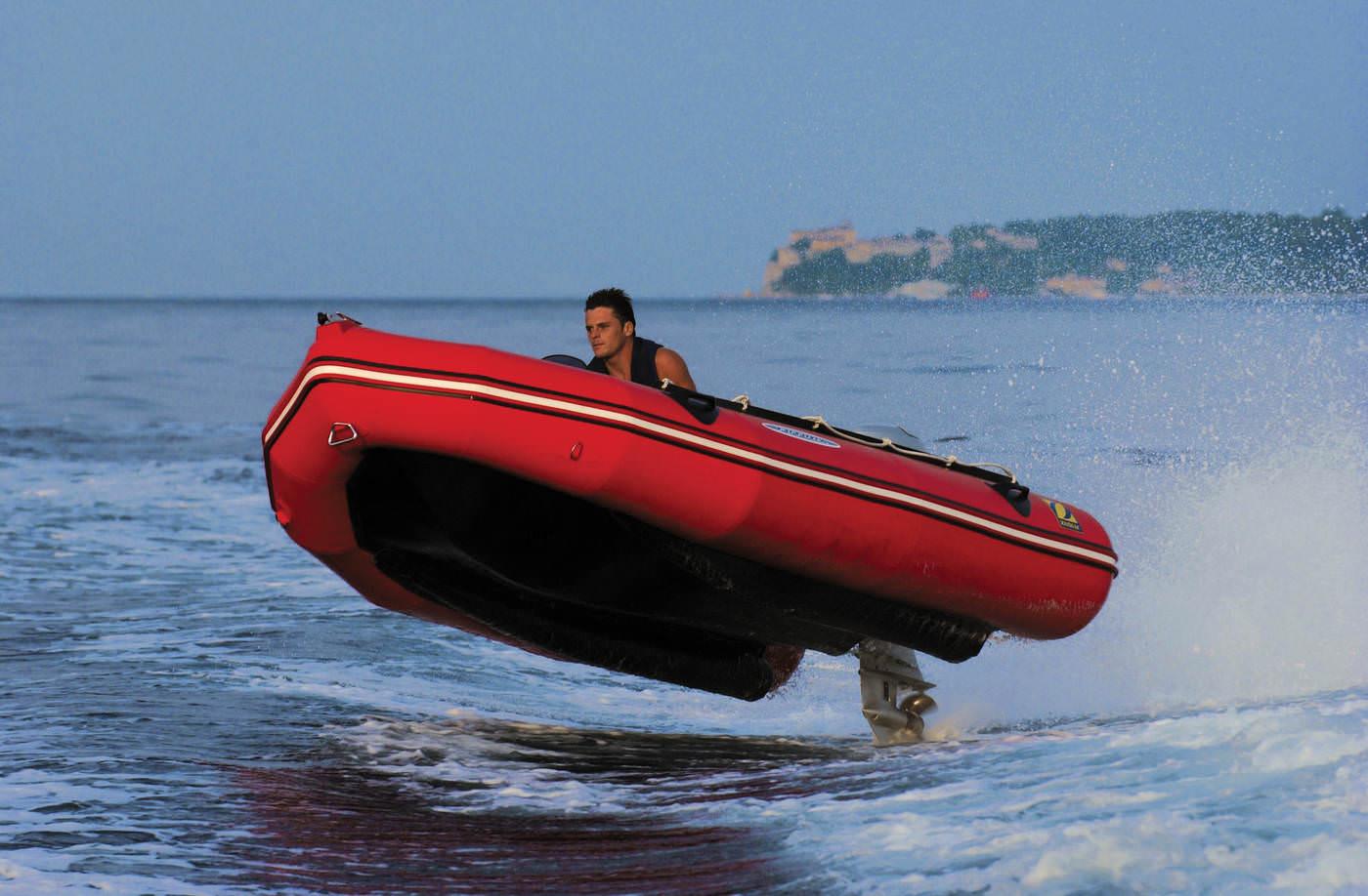 Надуваеми лодки Зодиак / Zodiac Mark Futura